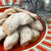 Cookies-on-a-plater-250
