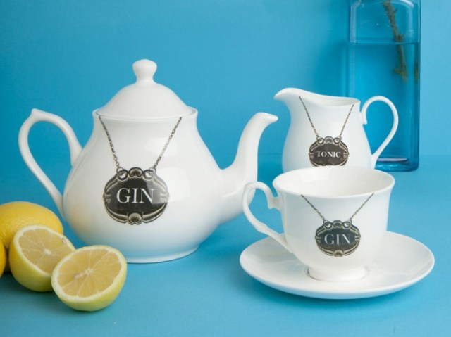 G____n____Tea_teaset_Made_In_Britain