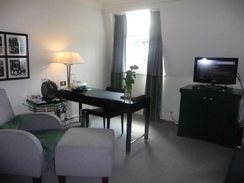 Sofitel St James - Prestige Suite living