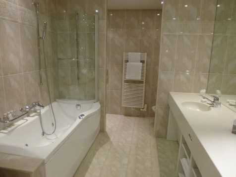 Beau-Rivage Palace - Deluxe Room bathroom