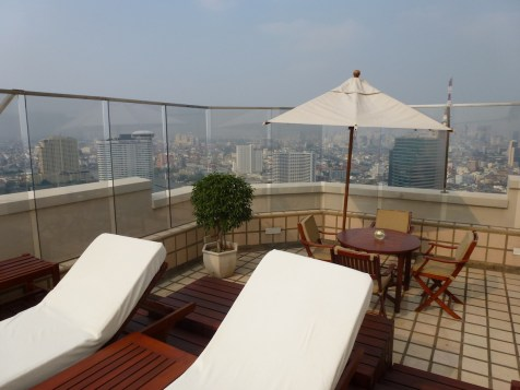 Peninsula Bangkok - Terrace Suite outdoor sunbeds