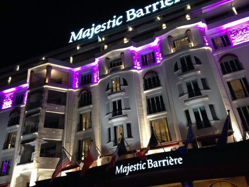 Majestic Barriere Cannes - Facade by night