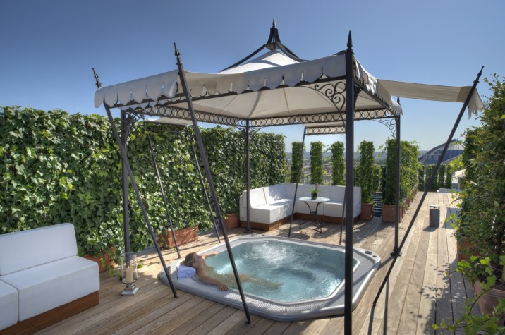 Grand Hotel Bordeaux - Outdoor Jacuzzi