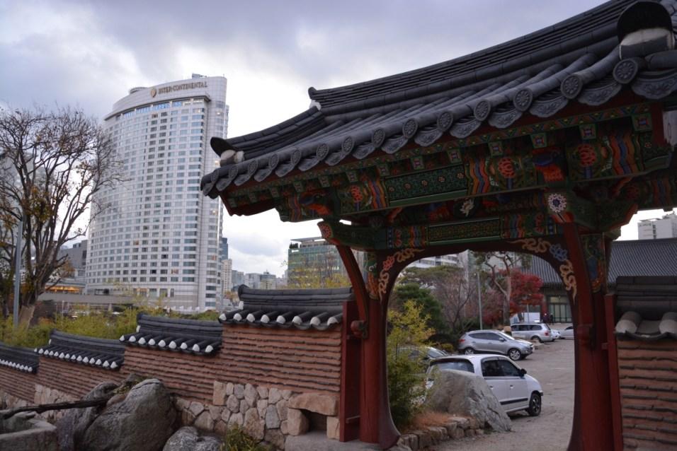 Bongeunsa small entrance