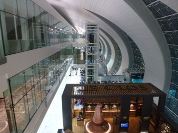 Emirates Business Class Lounge Dubai - Lounge over 2 floors
