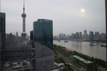 Mandarin Oriental Shanghai - Club Room River View over the Pearl