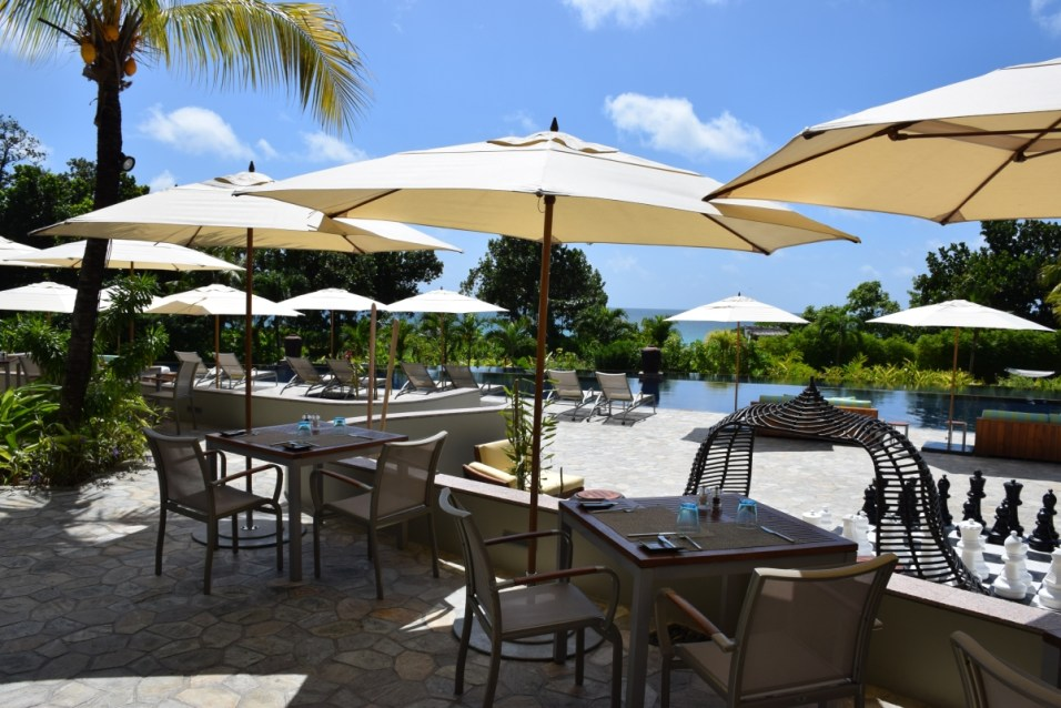 Raffles Praslin - Pool Bar