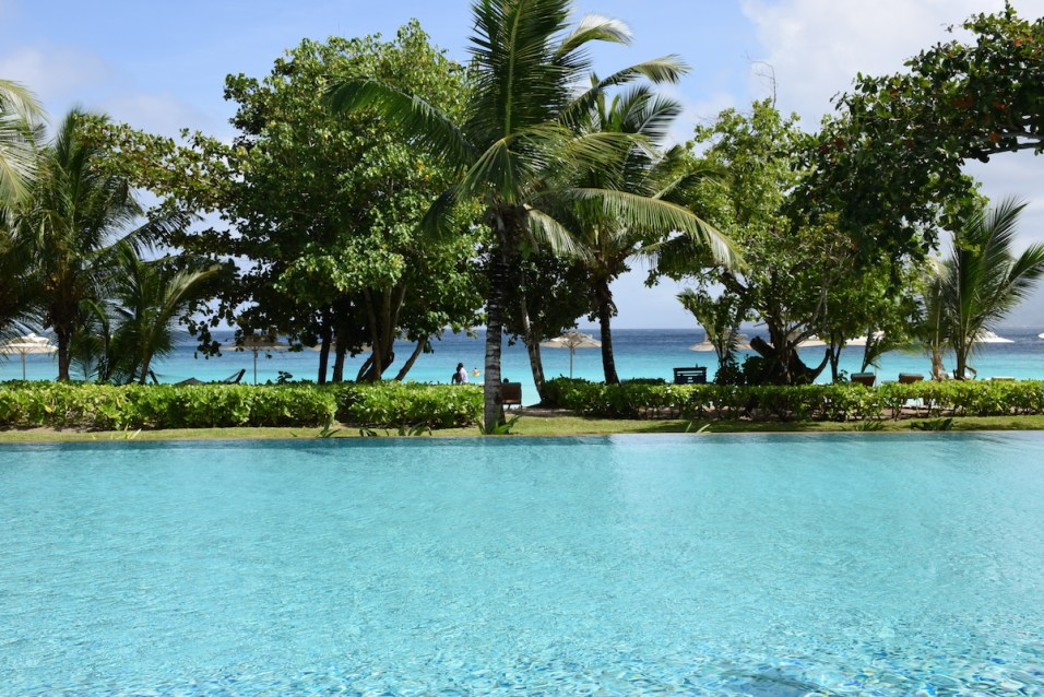 Four Seasons Seychelles - Main pool