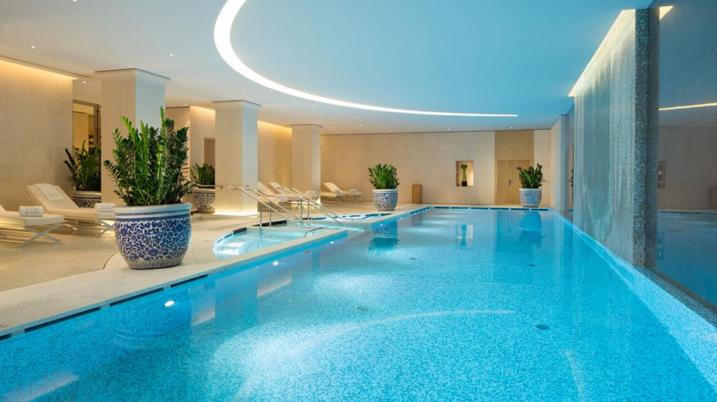 Peninsula Paris - Spa pool