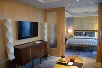 Jing An Shangri-La - Grand Premier Room living room 2