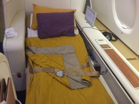 Thai Airways A380 Royal First Class - Full flat bed