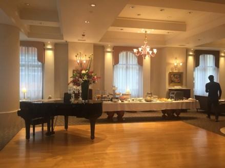 133 Lounge breakfast