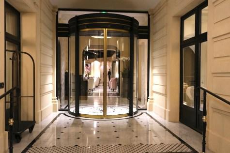 Le Narcisse Blanc entrance
