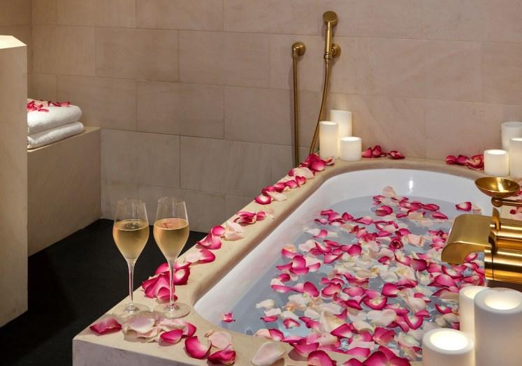 Park Deluxe King Room - Romantic bath