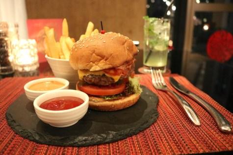 Lunch - Mira Burger