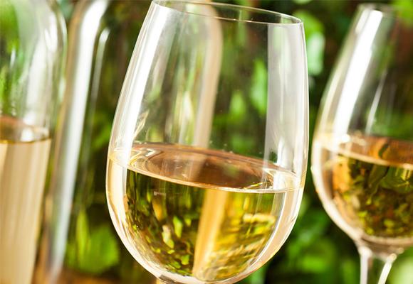 El vino blanco no siepre es joven
