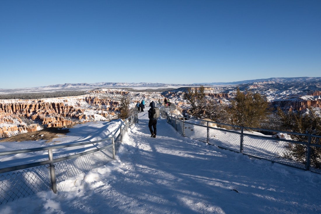 Walking to Bryce Point Outlook