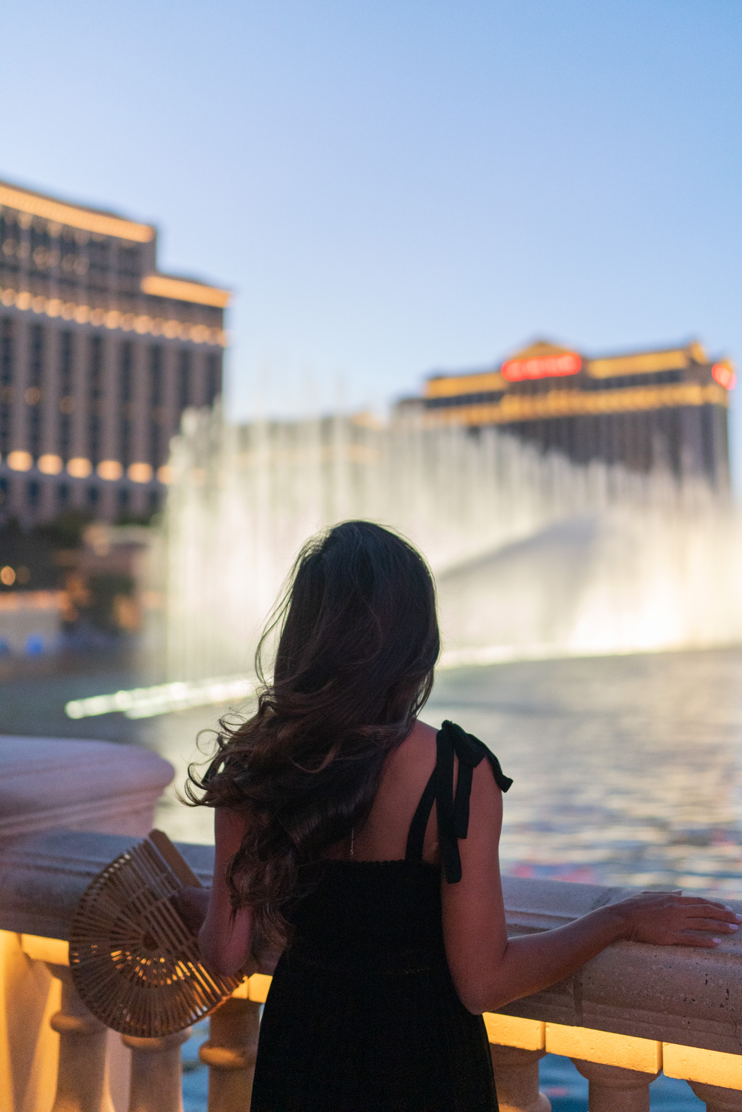 Me watching the Bellagio Fountains