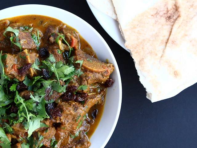Madhur Jaffrey lamb onion raisin curry