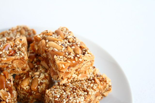 Lebanese sesame and peanut slices
