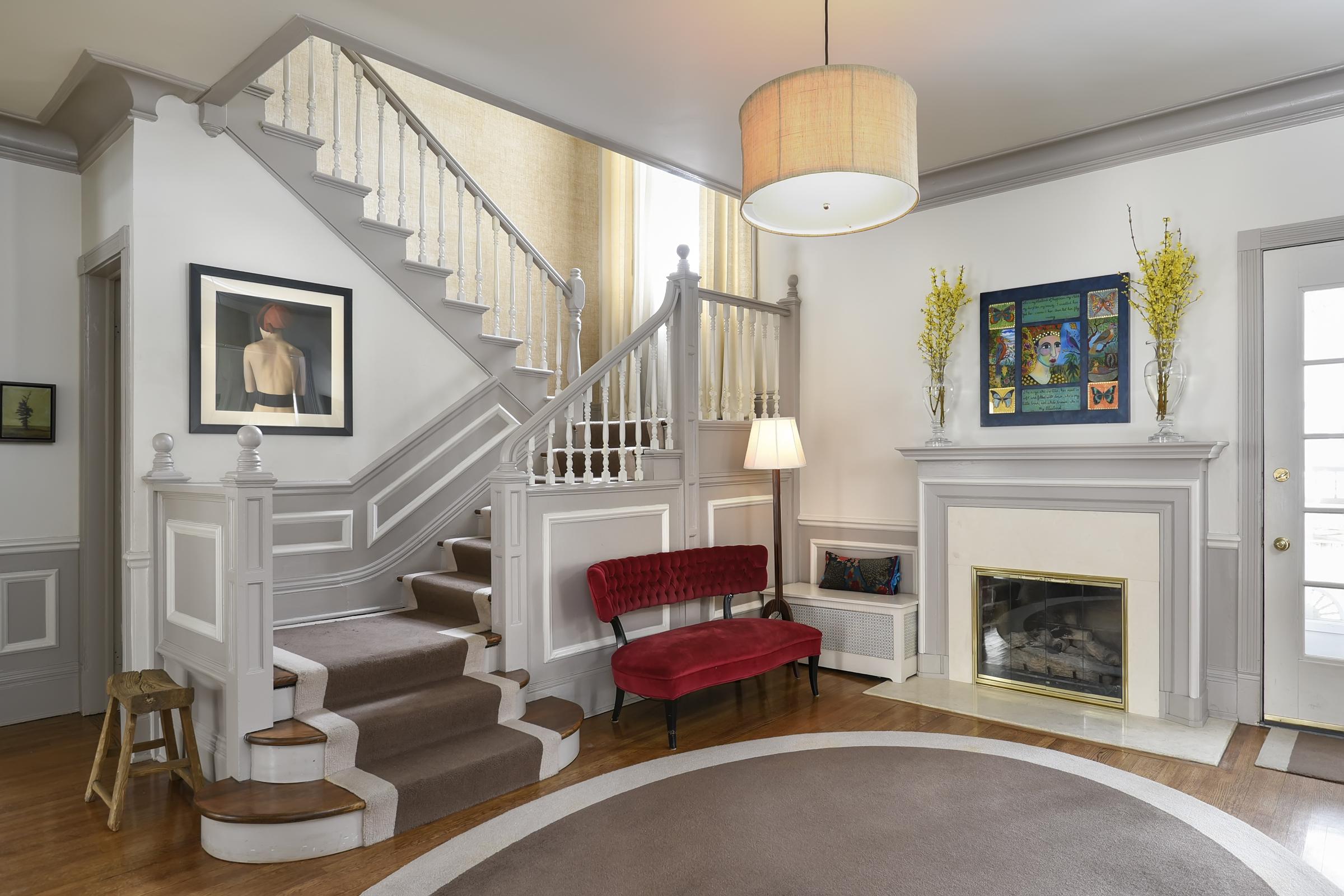 1220-Ridge-entry foyer
