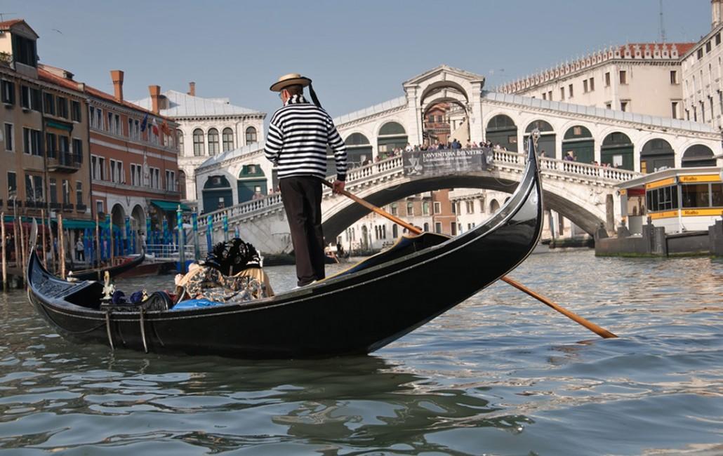 venezia venice gondola gondoliere macguffin italy italia cinema