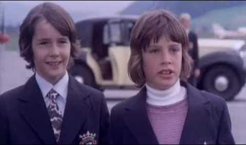 """""""Papà, noi vorremmo andare direttamente al collegio con Jim che è venuto a prenderci. Ti dispiace?"""""""