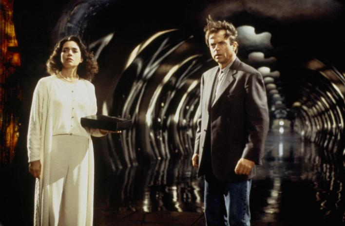picture-of-sam-neill-and-julie-carmen-in-in-the-mouth-of-madness-large-picture