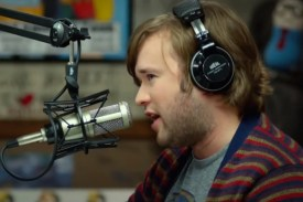 tusk_haley_joel_osment_at_the_mic