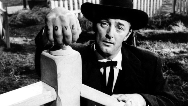 Robert Mitchum interpreta Harry Powell