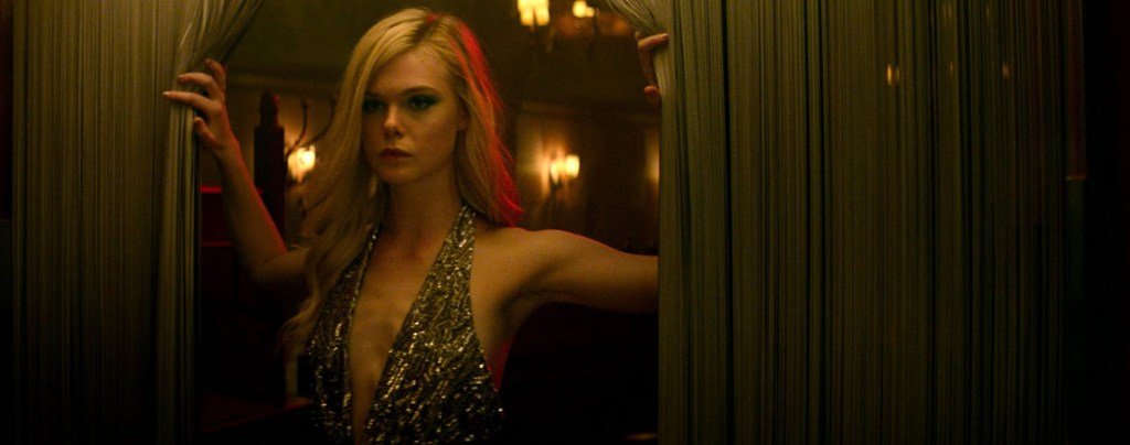 the-neon-demon-elle-fanning-gold-top