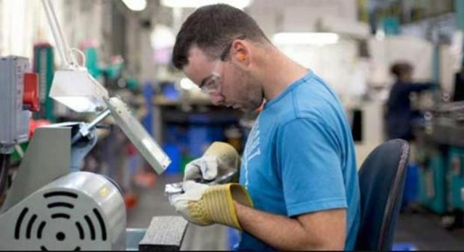 Skills gap: Aging workforce putting strain on skilled manufacturing workers