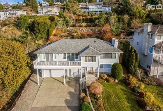 Meadowdale Edmonds Newly Updated View Home