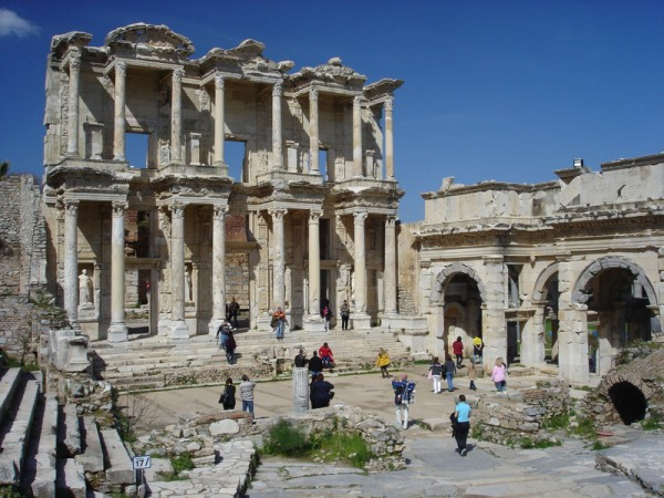 library-ephesus-turkey-efes