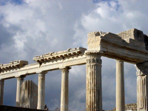 pergamon-ruins-turkey-5