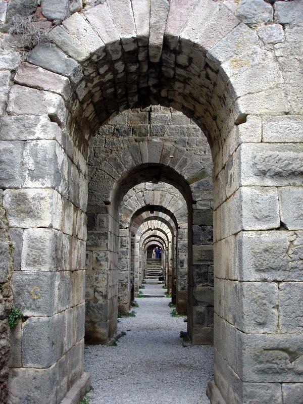pergamon-ruins-turkey-theater-2