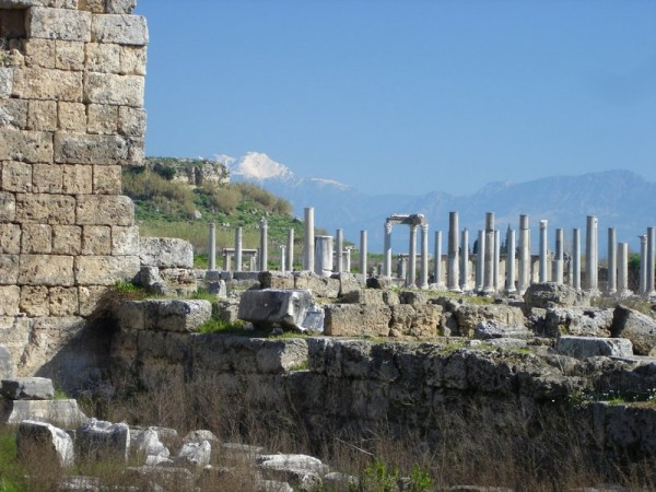 perge-ruins-antalya-turkey