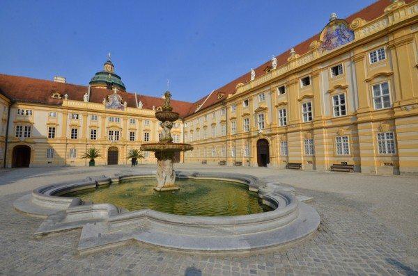 melk-abbey-austria-courtyard-fountain
