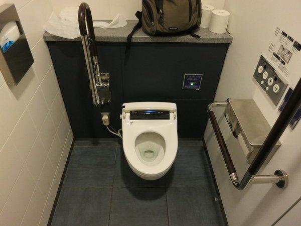 haneda-japanese-toilet-4