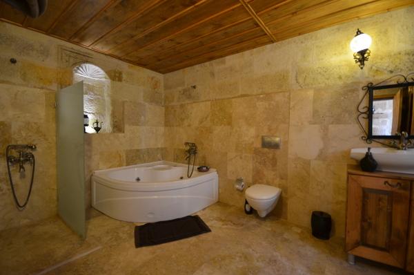 castle-inn-cappadocia-ortahisar