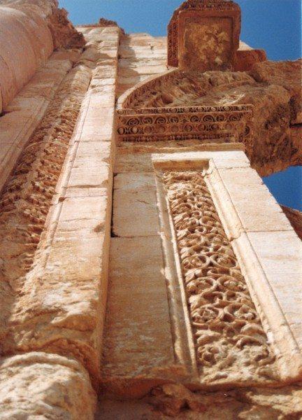 palmyra-syria-ruins-004