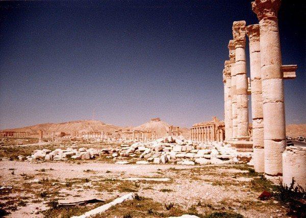 palmyra-syria-ruins-005