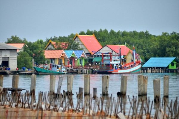 petchaburi-river-thailand