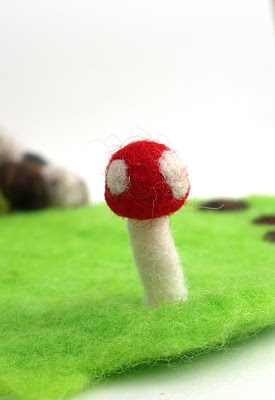Tutorial on how to needle felt a toadstool