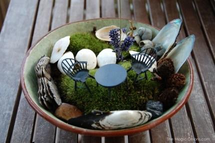 Small Space Fairy Garden : Fairy Garden Contest : www.theMagicOnions.com