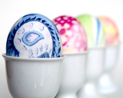 silk dyed easter eggs : the magic onions blog