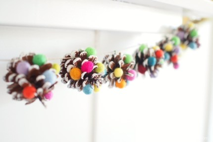 Christmas Sugarplum Pine Cone Garland DIY Tutorial :: www.theMagicOnions.com
