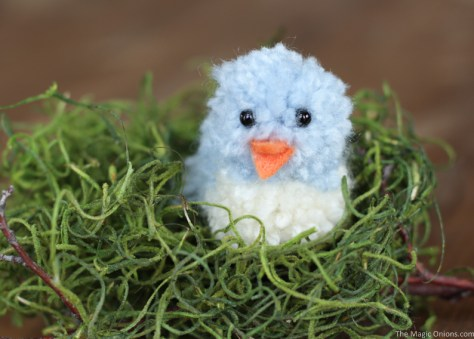 DIY Pom Pom Blue Birds for Simple Spring and Easter Crafting :: www.theMagicOnions.com