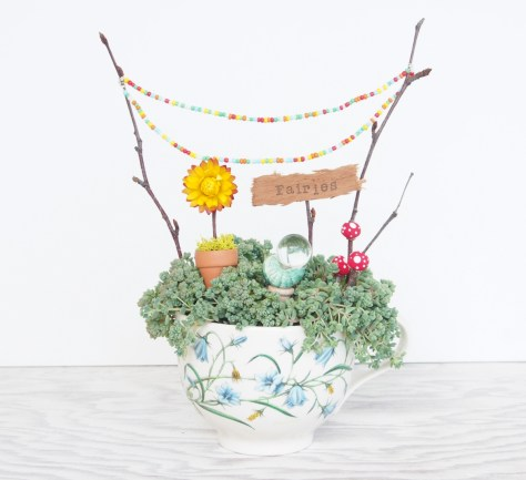 Teacup Fairy Garden :: DIY Tutorial :: www.theMagicOnions.com