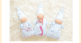 FREE Pattern for a WALDORF POCKET DOLL. Follow this step-by-step DIY Tutorial to make your child a delightful WALDORF DOLL.